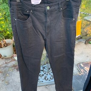 NWT HIGH WAIST BLACK JEANS WITH SLITS